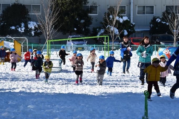 冬の幼稚園 1月のようす